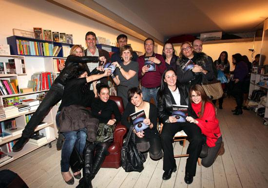 foto grupo gran hermano en la librería mas Bernat